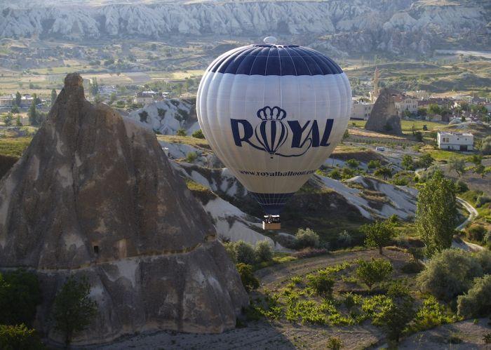ROYAL016